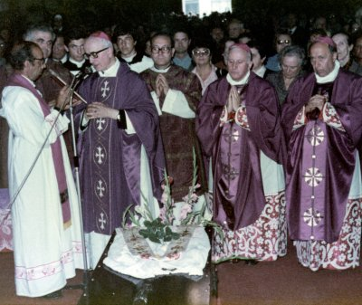 I funerali di don Dino in Duomo a Reggio Emilia