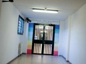 L'ingresso dell'Ospedale Psichiatrico Giudiziario di Reggio Emilia
